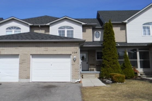 116 Richfield Sq, Clarington
