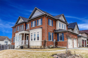 8 Woolner Lane, Clarington
