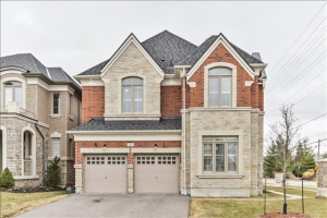 1815 Fairport Rd, Pickering