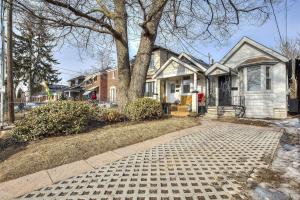 283 Chisholm Ave, Toronto