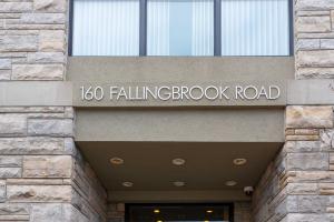 160 Fallingbrook Rd