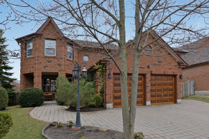 82 Stargell Dr, Whitby