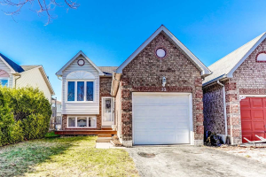 32 Fenwick Ave, Clarington