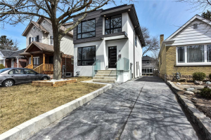 35 White Birch Rd, Toronto