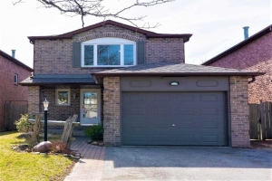 15 Fisher Cres, Ajax