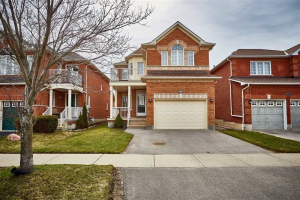 119 Rich Cres, Whitby