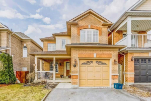 20 Blanchard Crt, Whitby