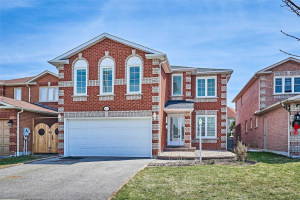 1605 Seguin Sq, Pickering