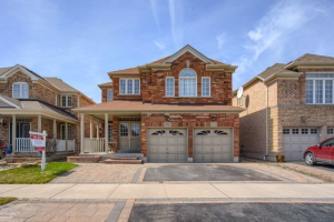 232 Williamson Dr W, Ajax