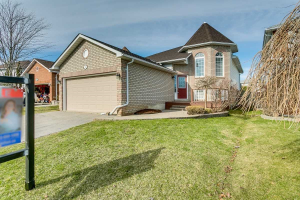 59 Jollow Dr, Clarington