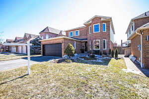 25 Stratton Cres, Whitby