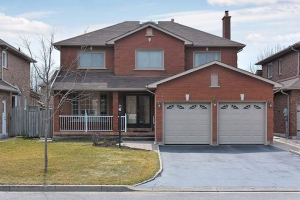 22 Headlands Cres, Whitby