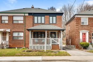 82 Hertle Ave, Toronto