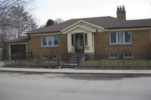 853 Coxwell Ave, Toronto