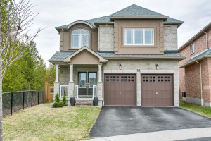 10 Rushlands Cres, Whitby