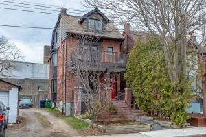 4 Bertmount Ave, Toronto