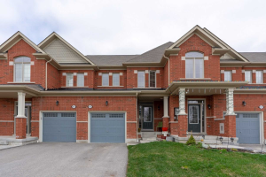 65 Chant Cres, Ajax
