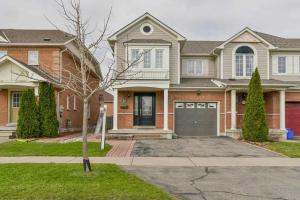 22 Rich Cres, Whitby