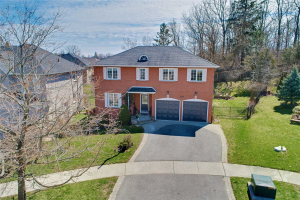 707 Sandcastle Crt, Pickering