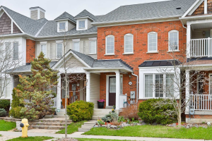 104 Warwick Ave, Ajax