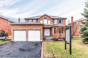 121 Robert Adams Dr, Clarington