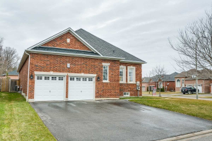 2 Jennifer Crt, Whitby
