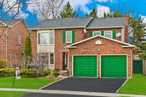 1239 Maple Ridge Dr, Pickering