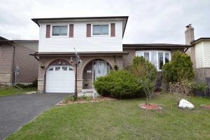 31 Mansfield Cres, Whitby