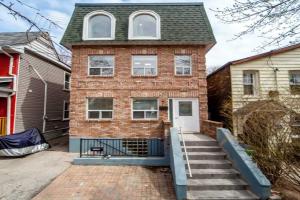 189 Rhodes Ave, Toronto