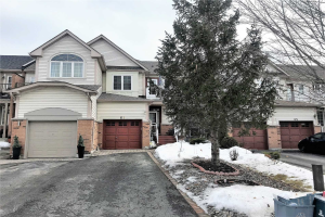 61 Breakwater Dr, Whitby