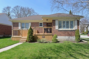 182 Central Park Blvd N, Oshawa