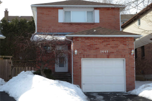 1645 Tawnberry St, Pickering