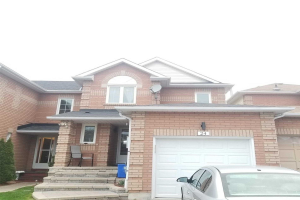 24 Creekwood Cres, Whitby