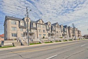 649C Warden Ave E, Toronto