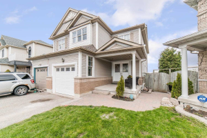 138 Candlebrook Dr, Whitby