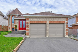 106 Freeland Ave, Clarington