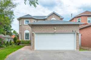 20 Fieldnest Cres, Whitby