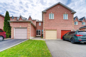 17 Farmers Ave, Ajax