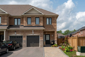 137 Underwood Dr, Whitby
