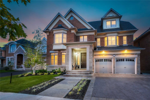 44 Pheasant Dr, Richmond Hill