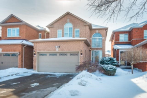 139 Royal Ridge Cres, Vaughan