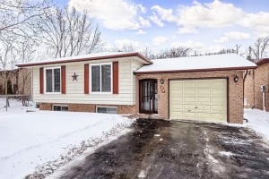 24 Dutch Settlers Crt, East Gwillimbury