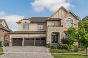 272 Hunterwood Chse, Vaughan