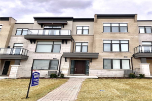 585 Marc Santi Blvd, Vaughan