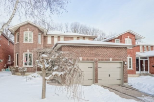 31 Edinburgh Dr, Richmond Hill