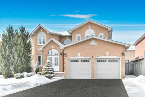 4 Creekview Ave, Richmond Hill