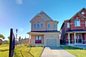 98 Herefordshire Cres, Newmarket
