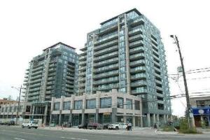 9090 Yonge St, Richmond Hill