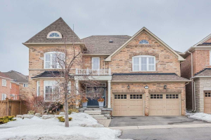 26 Arnold Heights Dr, Markham