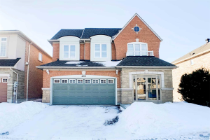 408 Hoover Park Dr, Whitchurch-Stouffville